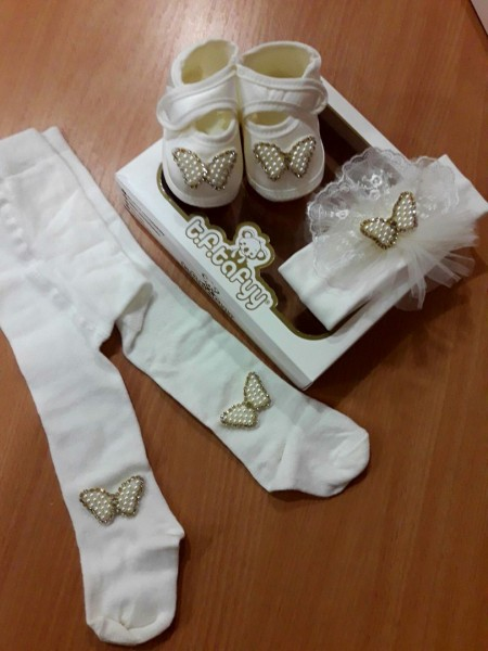 Комплект для девочки в коробке (пинетки,колготки,повязочка)
